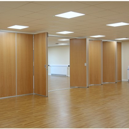 Kudos Sliding Folding Partition